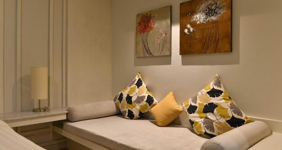 Villa Bedroom 1 Daybed