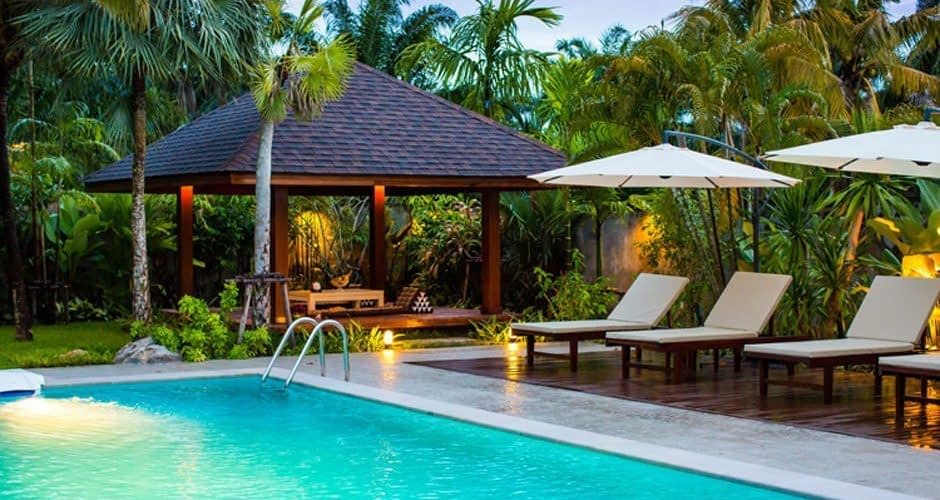 Covered Sala by the Pool